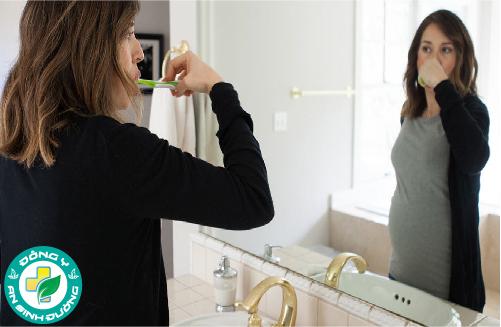 Thường xuyên vệ sinh răng miệng sạch sẽ để phòng ngừa bệnh