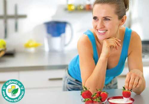 Sữa chua làm giảm lượng calo tiêu thụ giúp hỗ trợ giảm cân