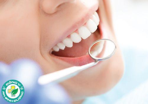 Axit malic trong táo giữ cho răng của bạn trắng và sáng bóng
