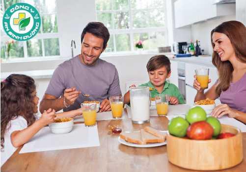 Chất xơ, được tìm thấy trong trái cây, rau quả và ngũ cốc, có thể giúp bạn cảm thấy no
