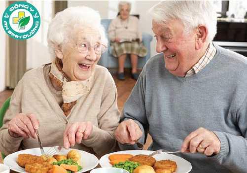Choline bảo vệ chống lại sự suy giảm nhận thức liên quan đến tuổi già