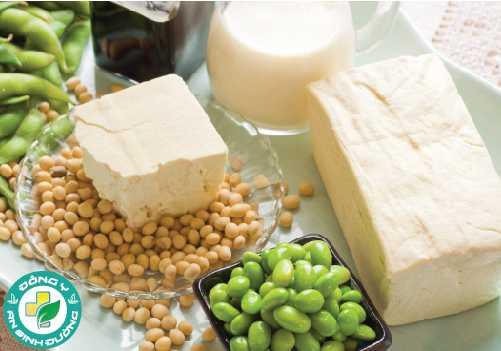 Isoflavone có trong đậu nành giúp da có ít nếp nhăn và đàn hồi tốt hơn