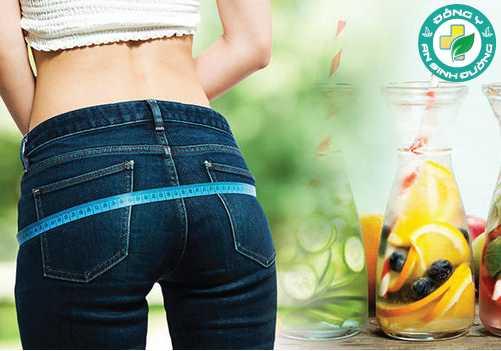 Uống nhiều nước có thể làm tăng sự trao đổi chất và giảm sự thèm ăn của bạn