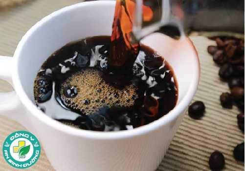 Nhiều người vẫn cho rằng uống cà phê làm mất nước cơ thể