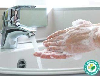 Rửa tay ngay lập tức sau khi bạn chạm vào 10 thứ sau