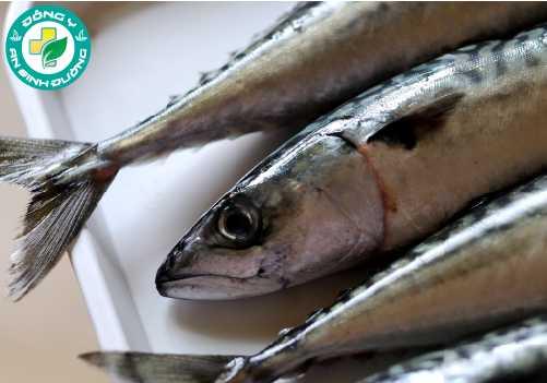 Axit béo omega-3 trong cá rất tốt cho mắt