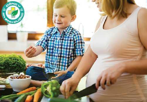 Phụ nữ có thai nên ăn các món ăn có hạt sen