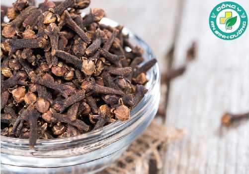 Tinh dầu đinh hương chứa eugenol có khả năng giảm đau, chống viêm hiệu quả