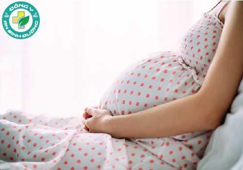 Thay đổi nội tiết tố trong thai kỳ khiến bạn dễ bị viêm lợi hơn