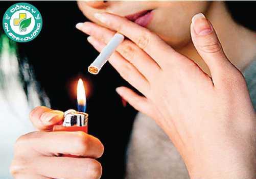 Tiêu thụ rượu bia và hút thuốc làm tăng viêm và phá hủy các mạch máu, có thể làm tăng nguy cơ mắc một loạt các bệnh