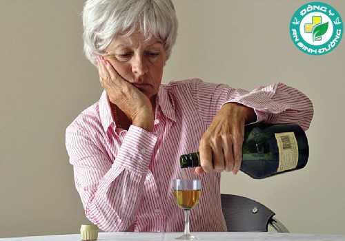Quá trình phân giải rượu của cơ thể có thể khiến bạn thức trắng đêm