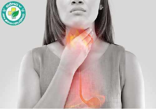 Hạn chế thực phẩm cay, thực phẩm có tính axit và thực phẩm béo nếu bạn bị chứng trào ngược axit
