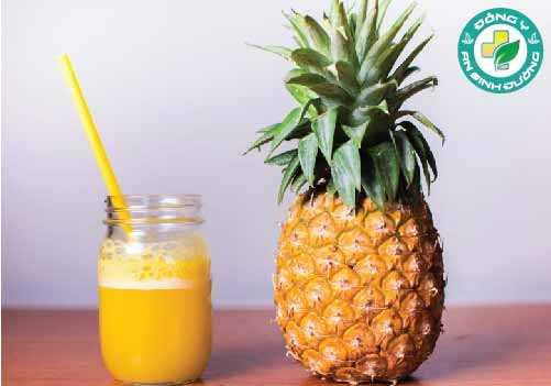 Nước ép dứa chứa rất nhiều chất dinh dưỡng, đặc biệt là mangan, đồng, vitamin B6 và vitamin C