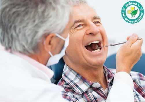 Yếu tố tuổi tác cũng tăng nguy cơ bạn bị tụt lợi