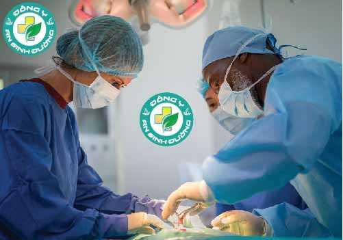 Phẫu thuật là một phương pháp điều trị cho ung thư buồng trứng