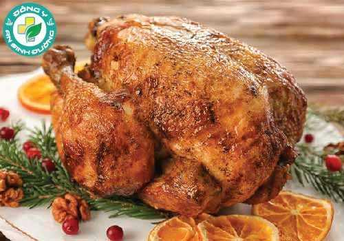 Thịt gà tây sẫm màu cung cấp nhiều sắt hơn so với loại thịt trắng